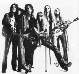 Alice Cooper Love It To Death era pic
